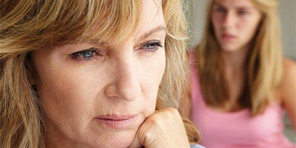 Выпадение волос у женщин после 40: причина, диагностика и терапия