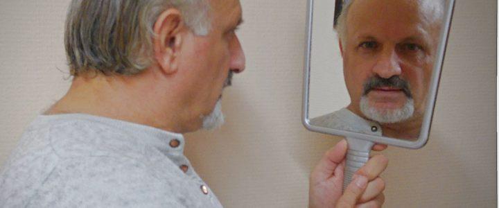 Объяснение мужского характера выпадения волос (алопеция)