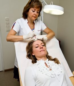 Медикаментозное лечение облысения у женщин