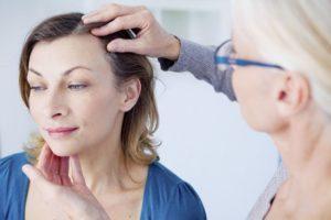 Выпадение волос - сложно диагностируемое заболевание. Очень важно, как можно раньше посетить врача для определения причин